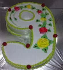 9 Shaped Cake